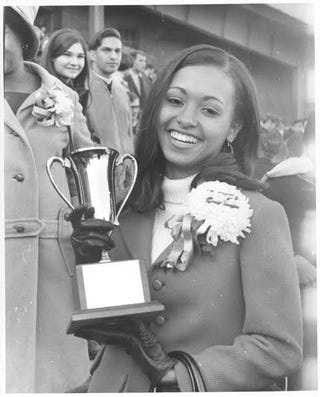 Daphne Maxwell is crowned homecoming queen of Northwestern University in 1967. (Daphne Maxwell-Reid)