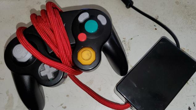 Smash Player Develops Hand-Warming GameCube Controller
