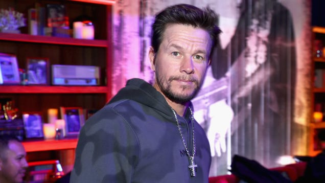 Mark Wahlberg joins the Uncharted movie, even though Tom Holland took his role