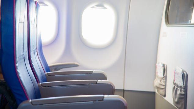 What You Should Know Before Booking a Bulkhead Seat on a Flight