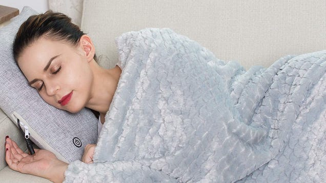 Nap On The Couch All Thanksgiving Day With This $13 Plush Throw Blanket