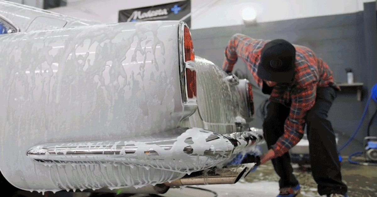 Detailing An Aston Martin DB4 Verges On ASMR