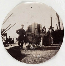 14 Amateur Photos Taken With the Very First Consumer Camera