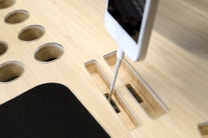 Your Favourite Fan Boy Needs This Desk Designed for Apple Products
