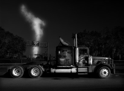 These Gorgeous Black And White Photos Turn Truckstops Into Art