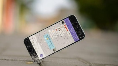 How To Use Your Phone When The Screen Is Cracked