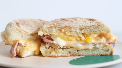 Make A Delicious Egg McMuffin In Five Minutes