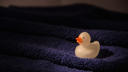 Avoid Losing Stuff in Hotel Rooms by Laying Out a Towel as a Home Base