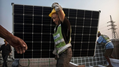 Here's How Solar Panels Work