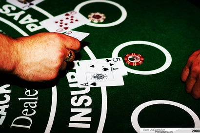 How Casinos Use Design Psychology To Get You To Gamble More