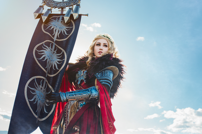 Dragon Age Cosplay Takes To The Hills