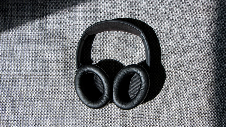 Snatch BOSE QuietComfort 35 II Headphones For $300