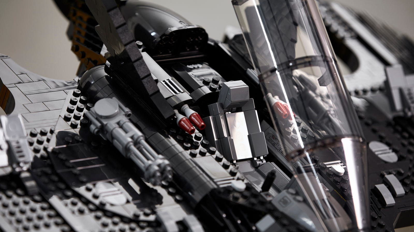 An elongated cockpit opens to reveal seating for just one minifigure—Vicki Vale? I guess you're walking.