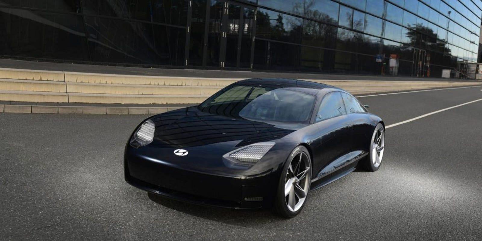 Illustration for article titled Hyundai anuncia su marca de autos eléctricos y revela tres modelos de aires futuristas