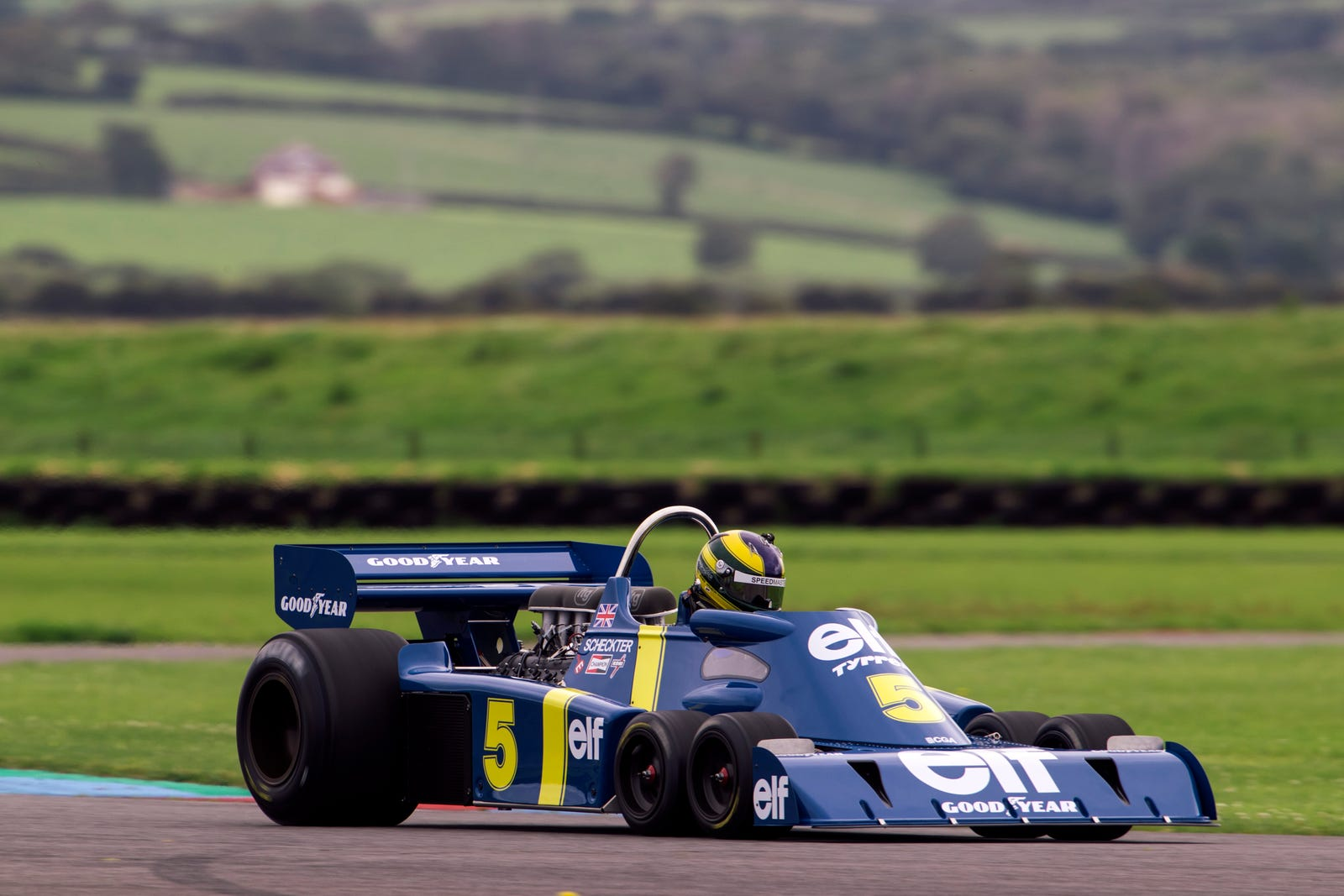 Illustration for article titled What It Takes To Build A Tyrrell P34 From Scratch