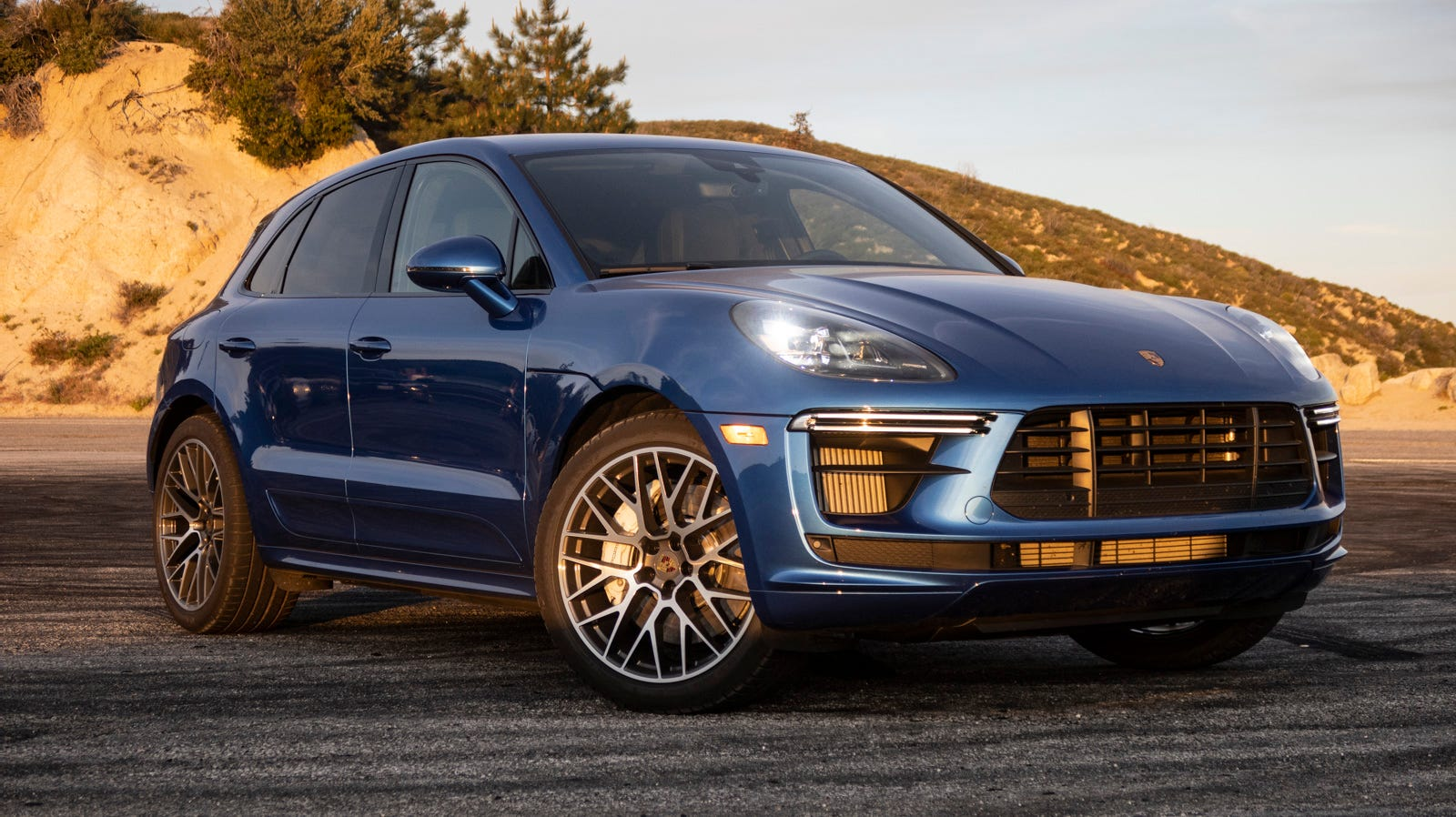 Illustration for article titled The 2020 Porsche Macan Turbo Is The Ultimate Sporty Crossover And Actually Fun To Drive