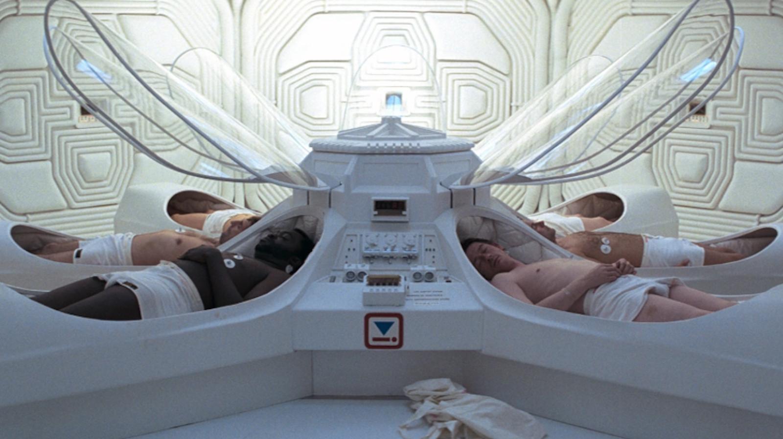 La sala con las cápsulas criogénicas para la tripulación.