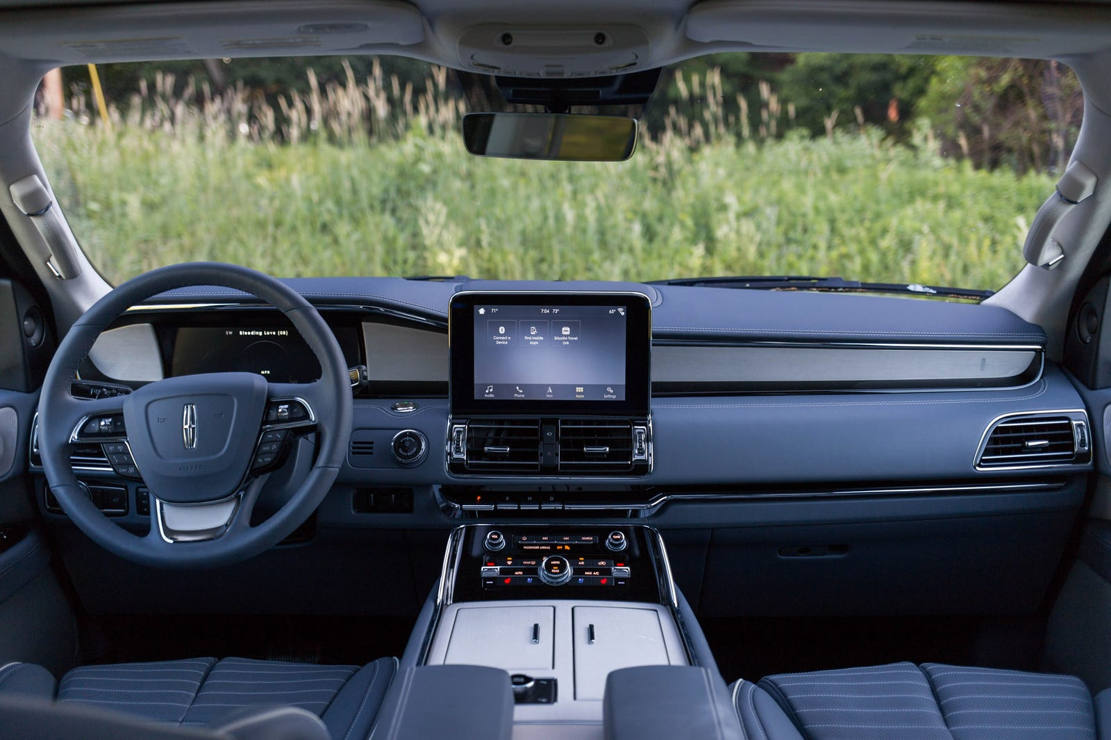 Illustration for article titled The 2019 Lincoln Navigator Is A Glorious Return To American Opulence
