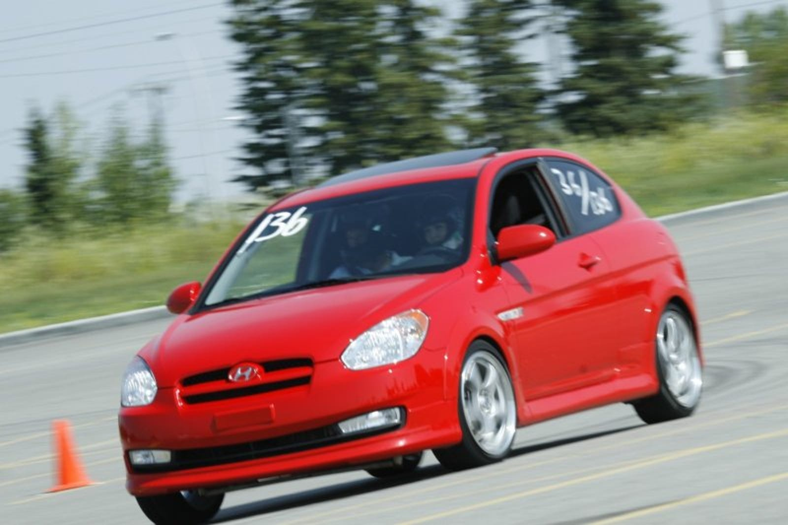 Illustration for article titled Canadas forgotten luke-warm hatch...the Hyundai Accent SR