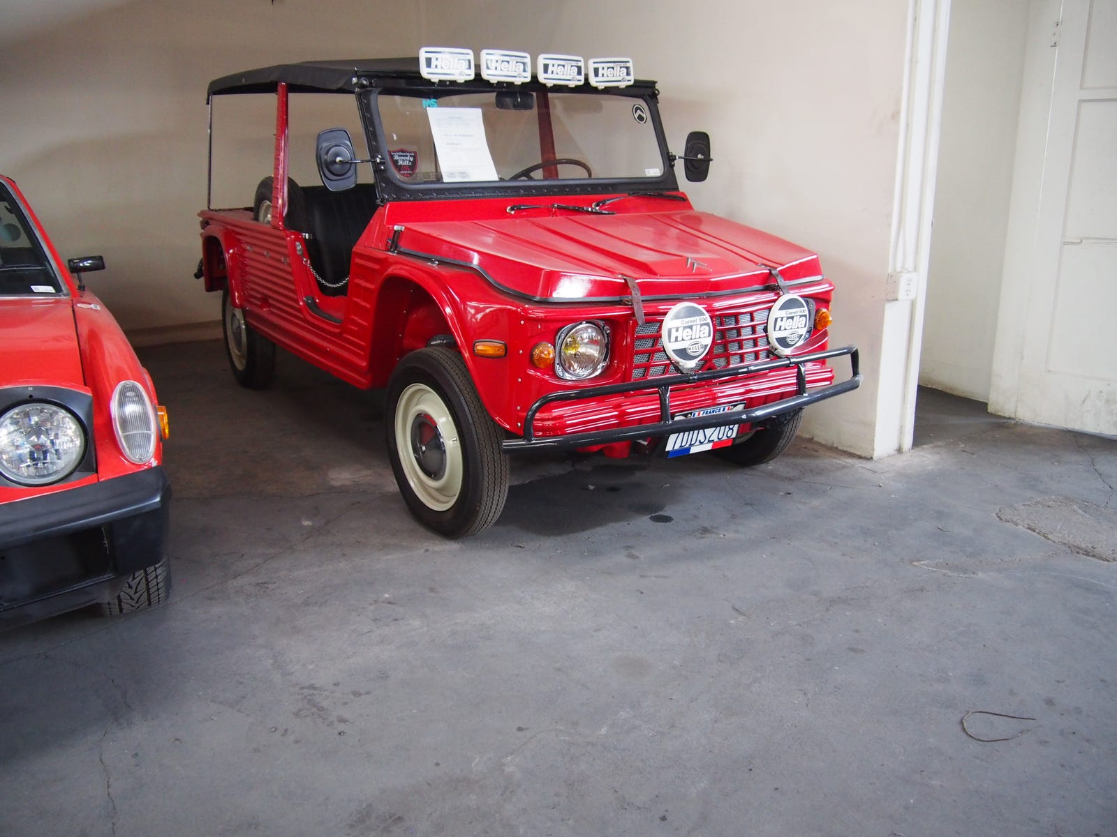 Same for this nice Citroën Mehari. Needs more rally lights, though. Gonzo drove one of these in The Muppet Movie.