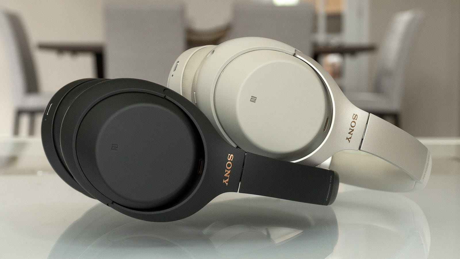 The Sony WH-1000XM4 (black, left) look nearly identical to the WH-1000XM3 (silver, right) but there are a couple of minor improvements made to the design to improve comfort.