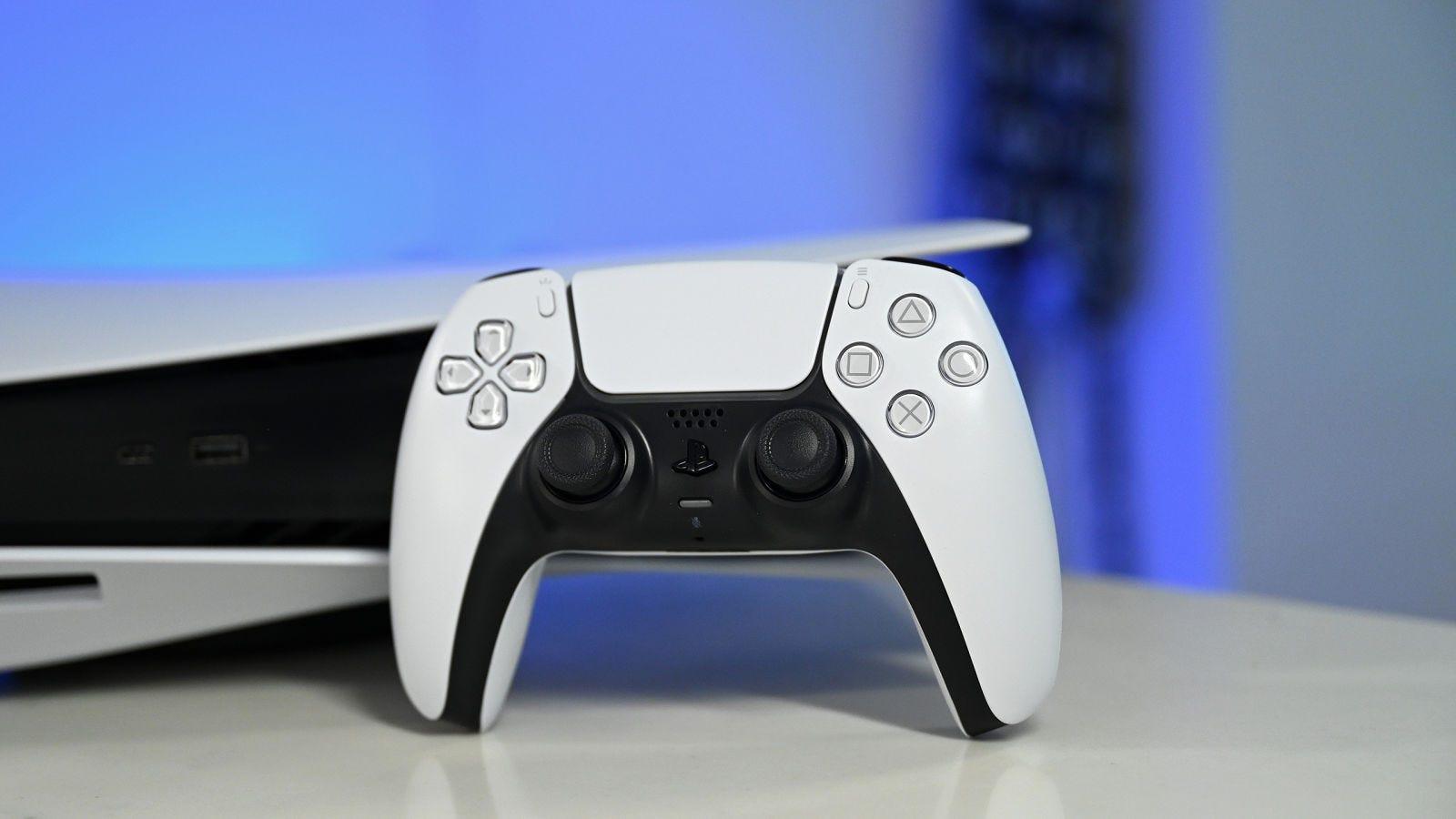 Illustration for article titled Probamos la PS5 y el nuevo DualSense (y sí, esta consola es enorme)