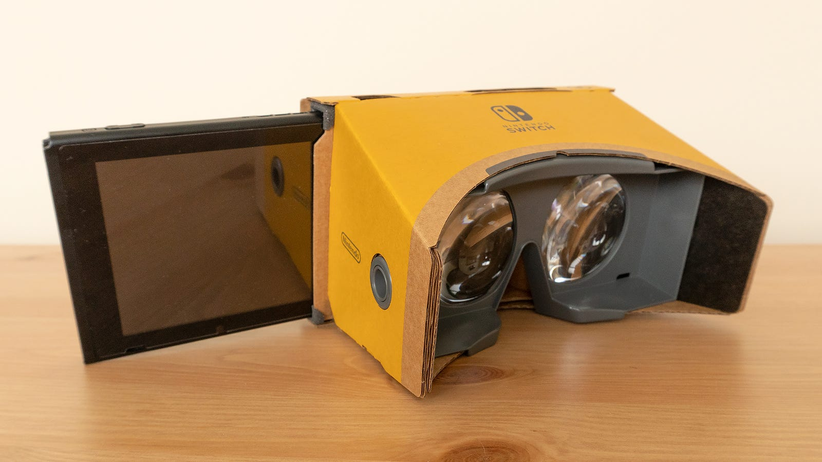 Each of the Toy-Cons rely on these cardboard VR Goggles which hold the Switch in a cardboard sleeve behind a pair of large plastic lenses.
