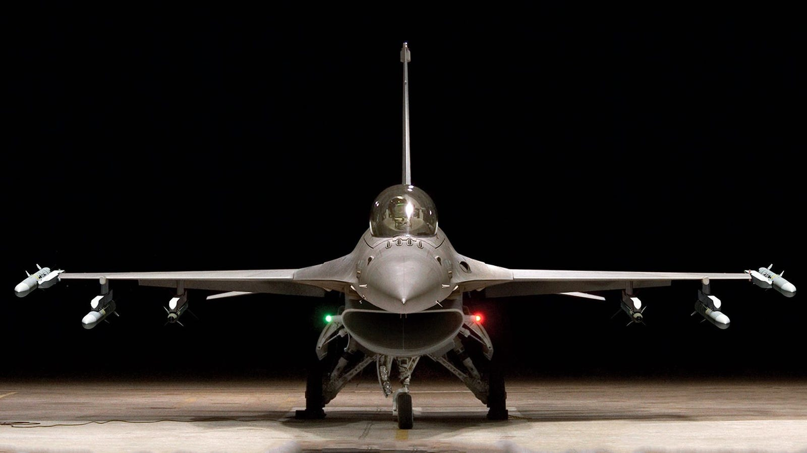 A similar jet to the one that's being advertised.