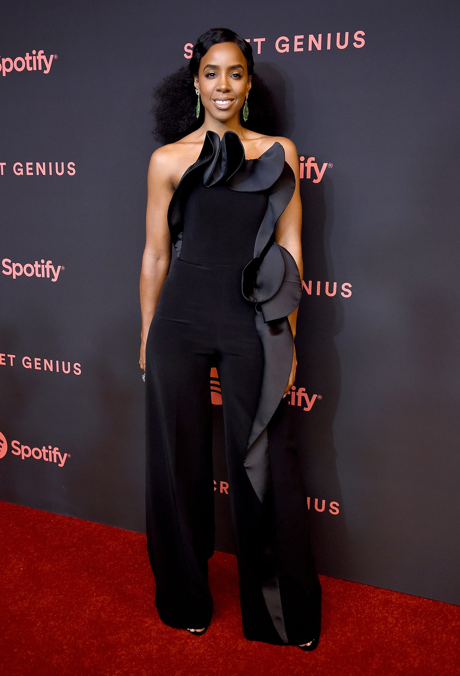 Kelly Rowland arrives at Spotify's 2nd Annual Secret Genius Awards at The Theatre on November 16, 2018 in Los Angeles, California.