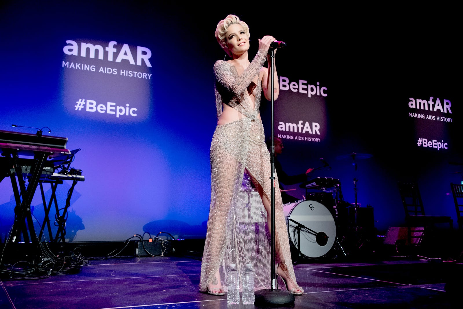 She sparkles: Halsey performs during the 2018 amfAR Gala New York at Cipriani Wall Street in New York City on Feb. 7, 2018. (Kevin Tachman/amfAR 2018/Getty Images)