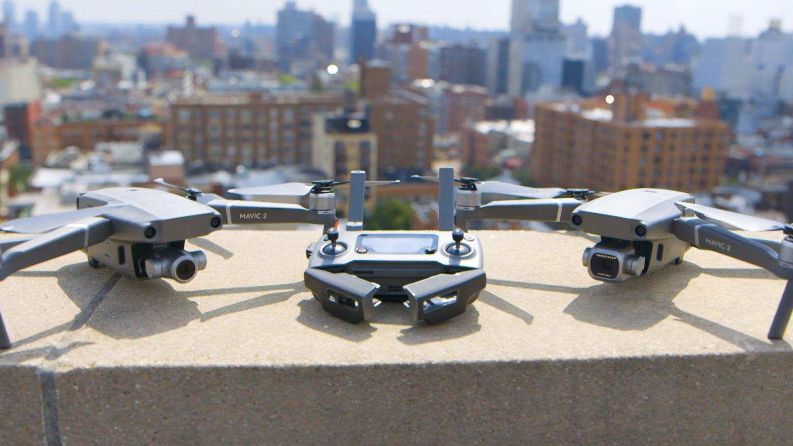 Illustration for article titled Lo mejor de los nuevos drones DJI Mavic 2 es su increíble cámara con zoomem/em