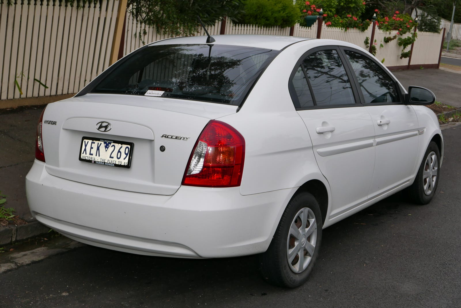 Australian market Accent sedan with amber-tinted rear turn signals
