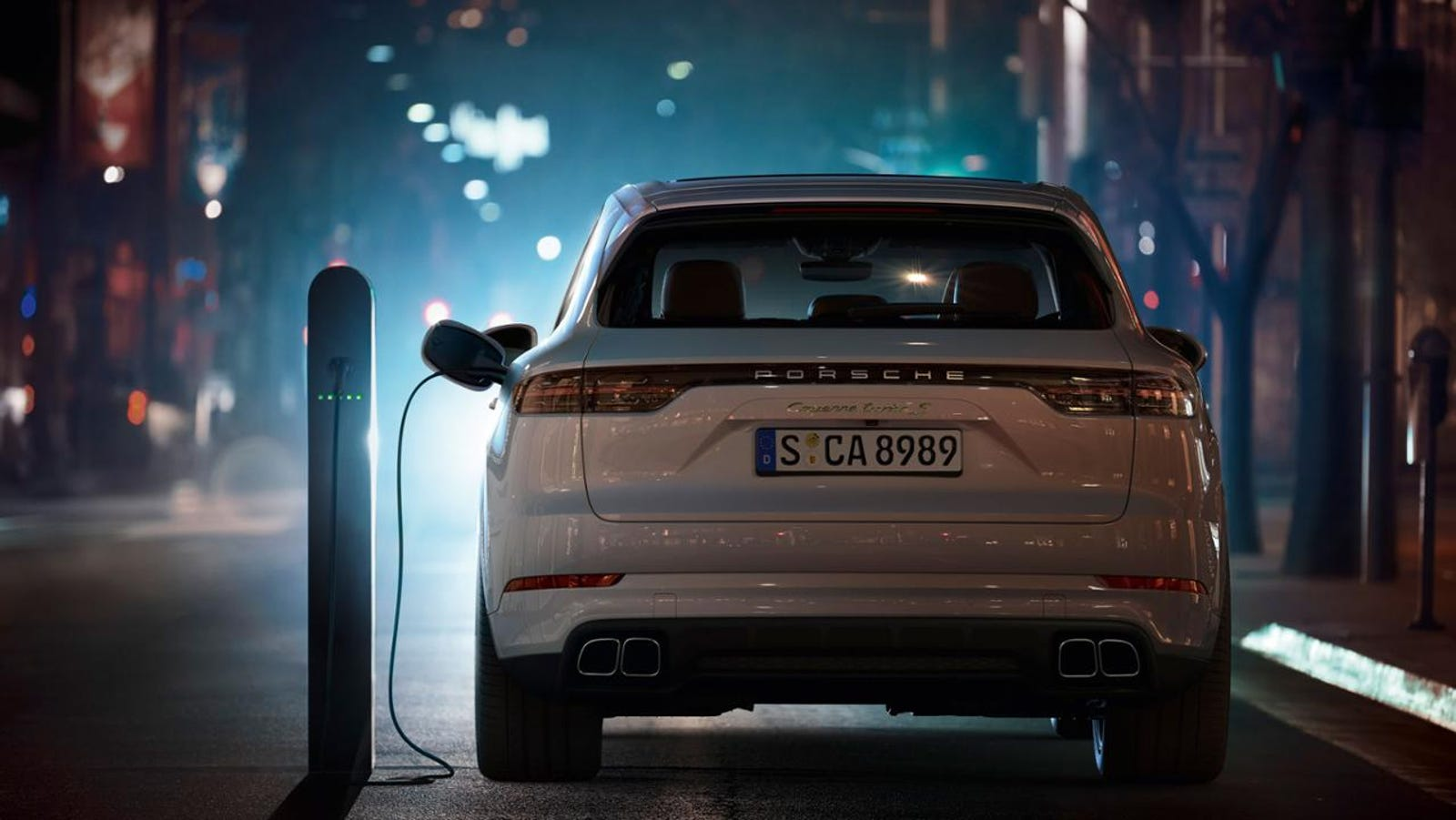 Illustration for article titled The 2019 Porsche Cayenne Turbo Plug-In Hybrid Claims A Hilarious 671 HP