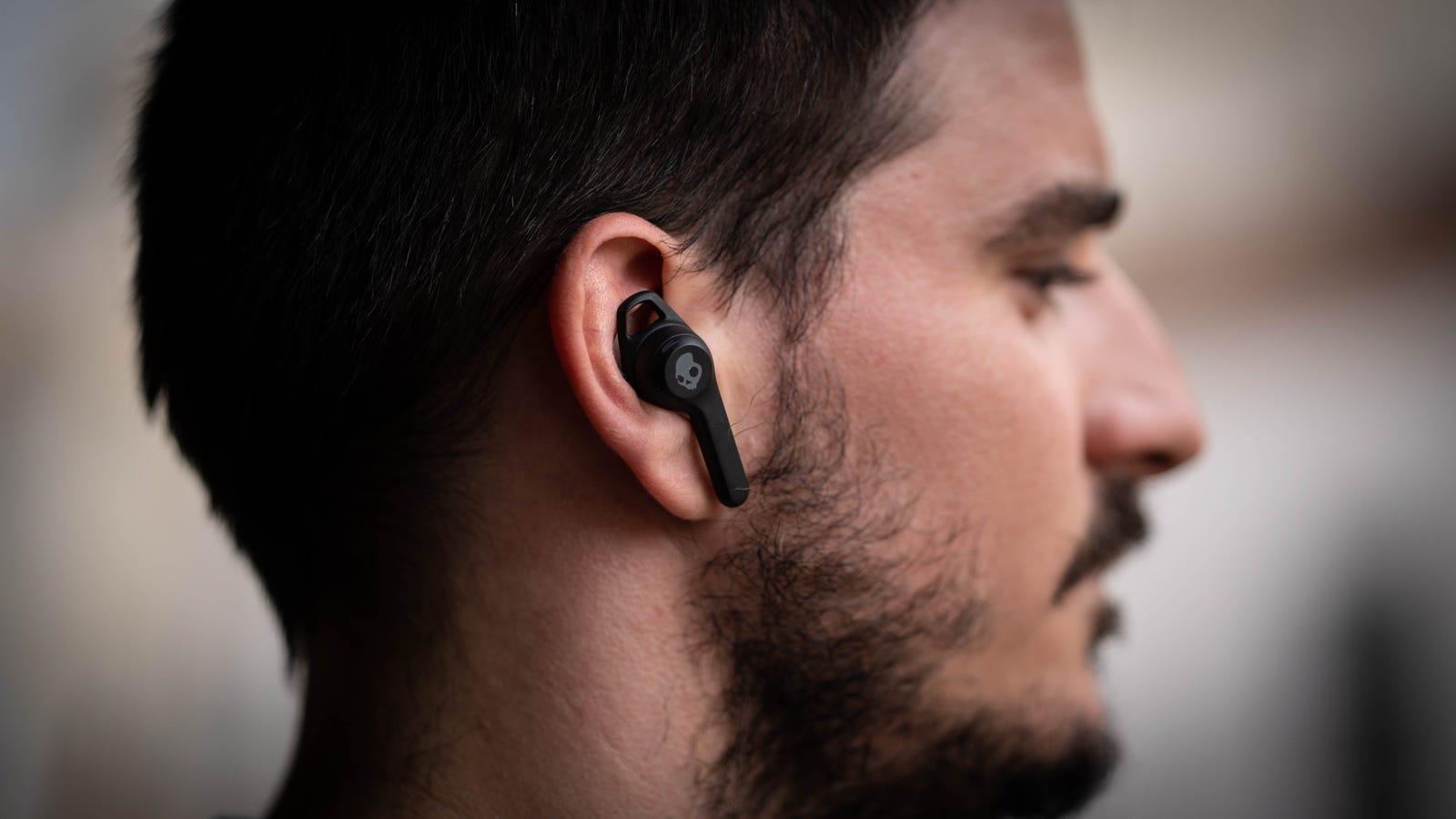 Los Indy Evo tienen una pequeña aleta para sujetarse mejor a tu oreja (si tu fisionomía lo permite)