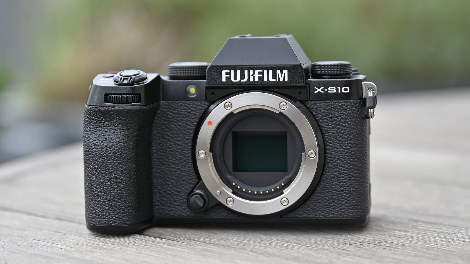 Click through for more hands-on photos of the Fujifilm X-S10.