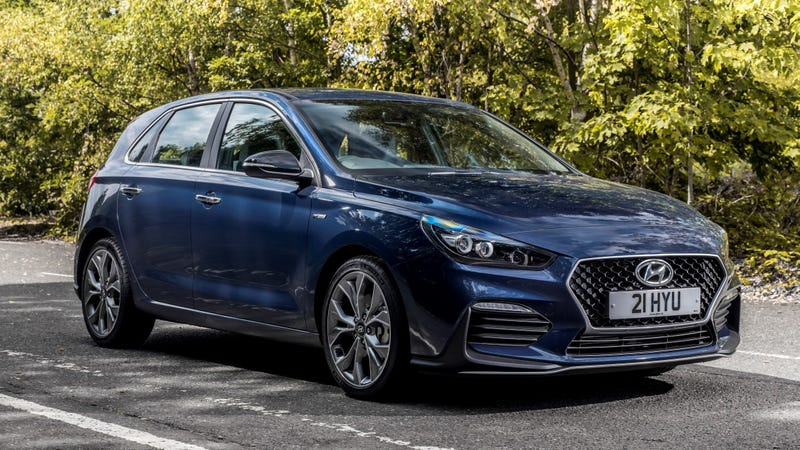 the hyundai elantra gt is getting an n line version but it s not a full on hot hatch hyundai elantra gt is getting an n line