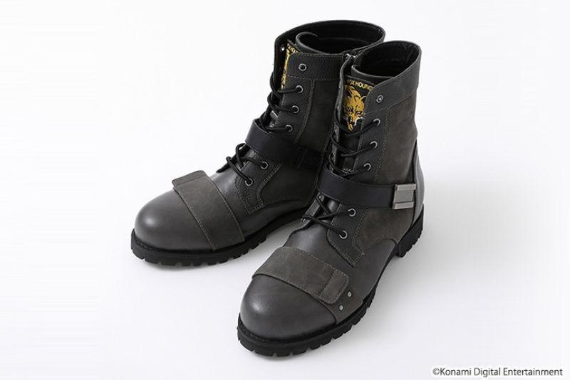 官方的金属装备实心靴子有点