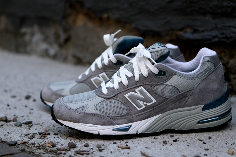 difference between new balance 990 and 574
