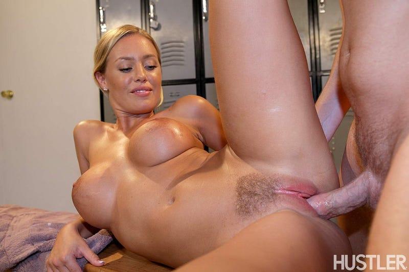 Nicole Aniston Licking Pussy