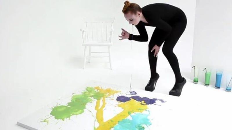 Delejező látvány Millie Brown hányásművészete