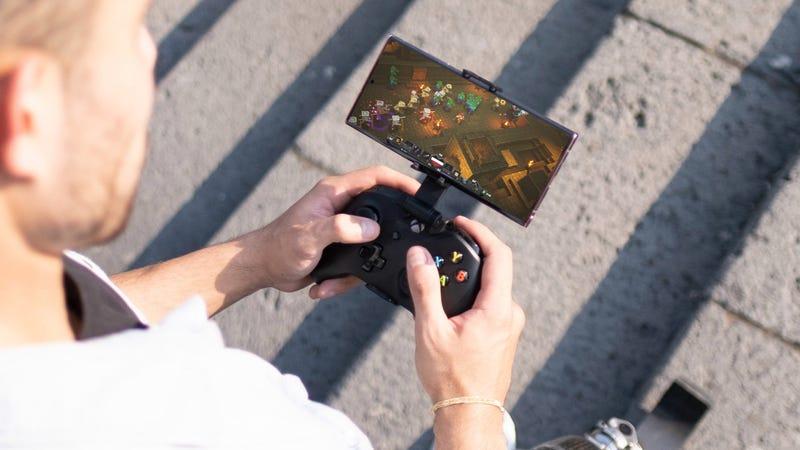 Xbox云游戏将于今年春天登陆Windows PC和iOS设备。作为Xbox Game Pass Ultimate的一部分,Android设备现在可以使用,微软今天宣布了PC和iOS的官方发布窗口(通过网络浏览器),进一步扩大了普通和Ultimate Game Pass用户之间的价值差距。