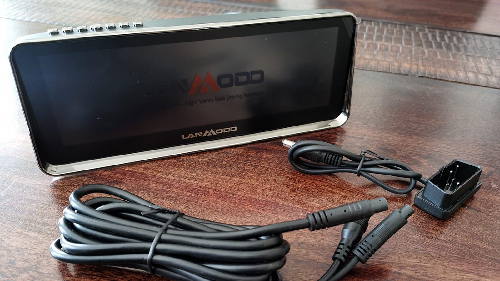El Lanmodo Night Vision con sus cables de conexión.