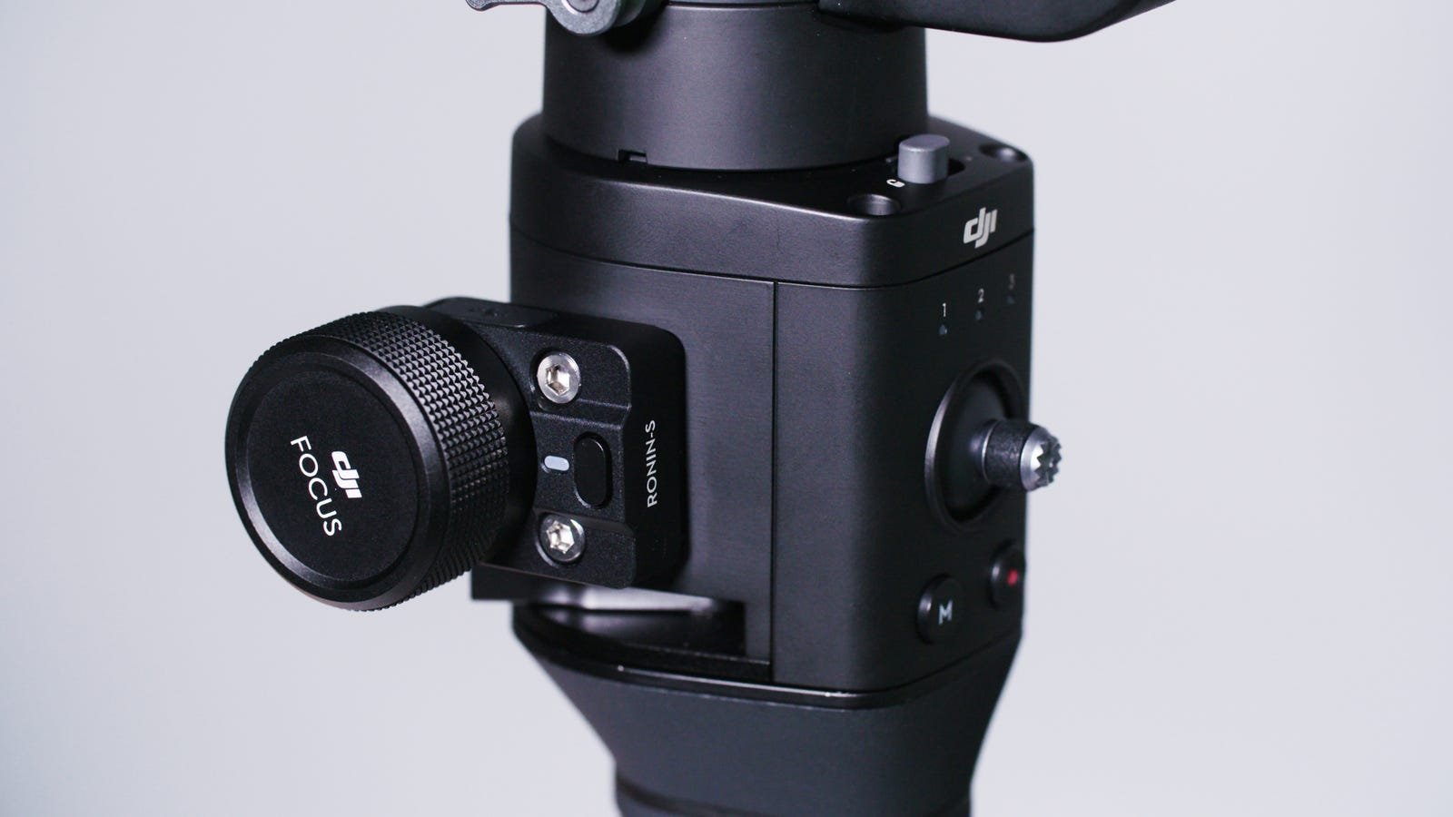 The optional Focus Wheel lets you add an external motor for remote focusing.