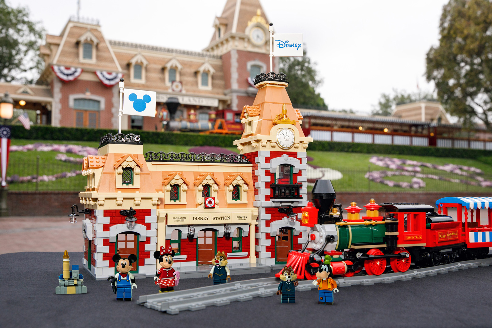 Illustration for article titled Legos Motorized Disney Train Set Looks Like It Just Pulled Out Of The Park