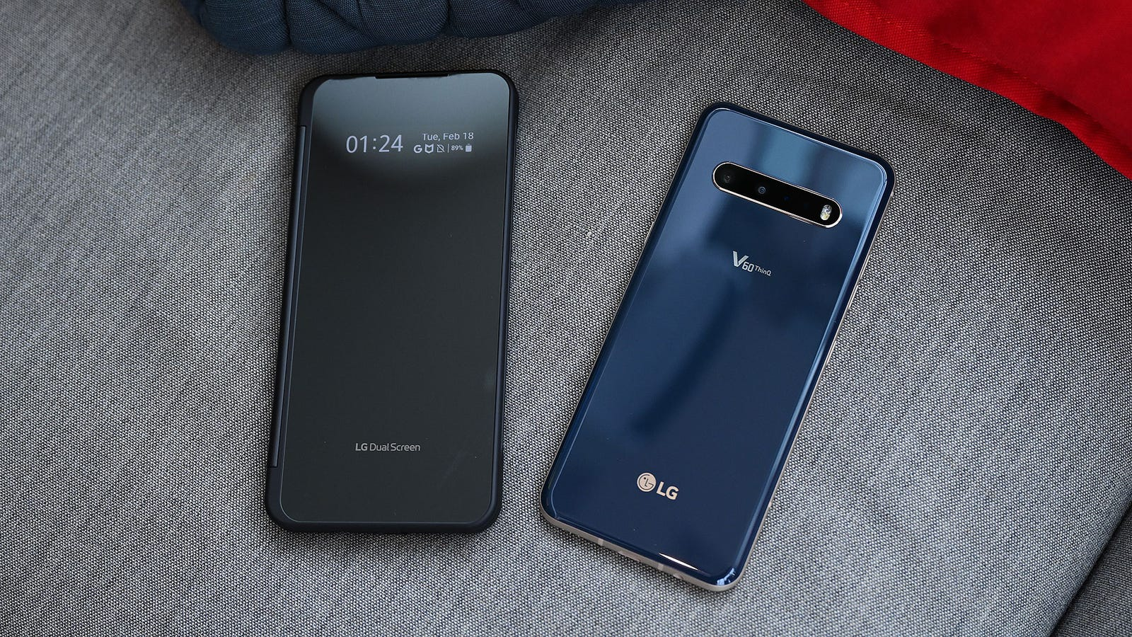 Illustration for article titled The Dual-Screen LG V60 Might Be the Sleeper Deal of the Season