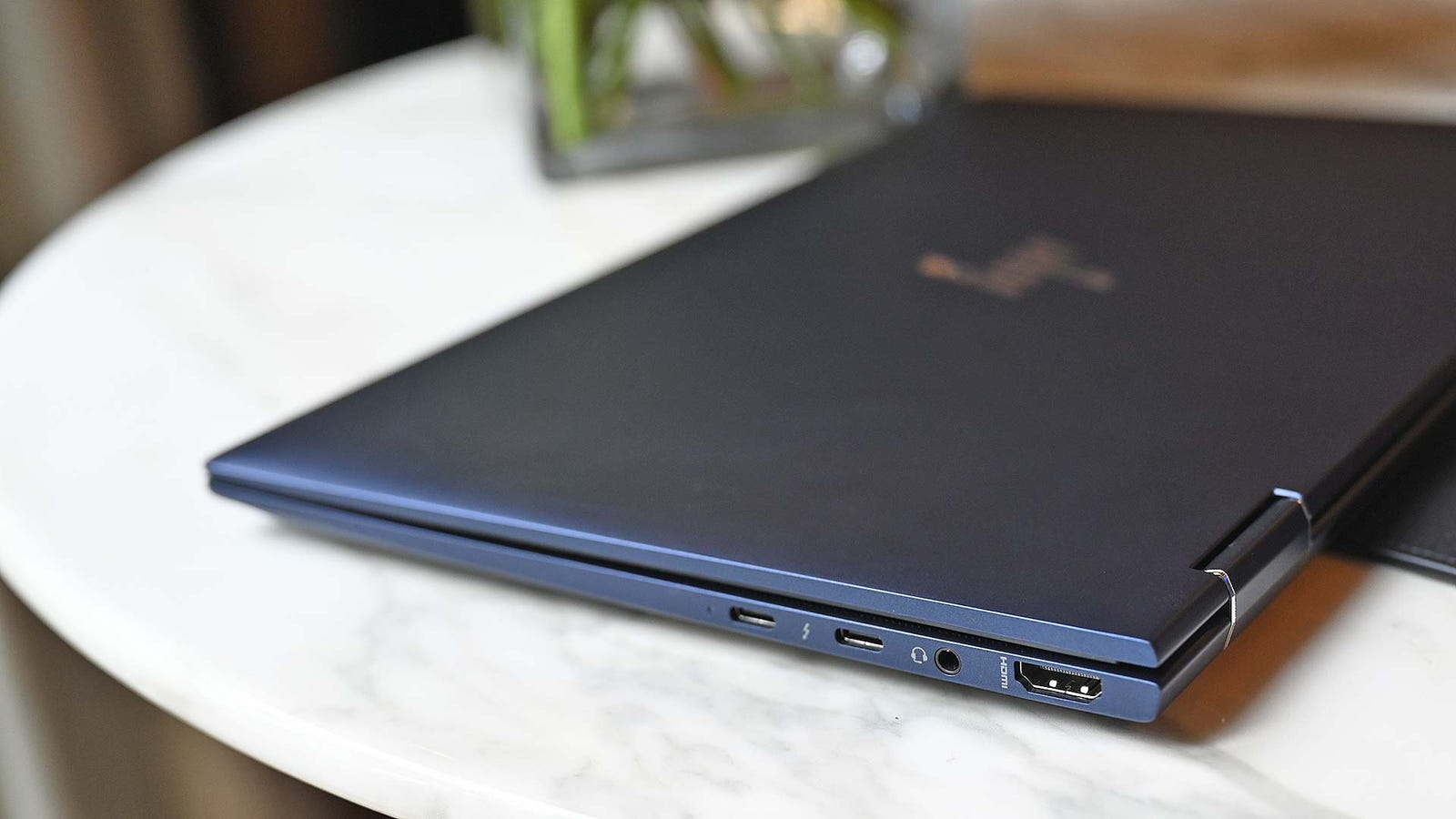 Illustration for article titled HP Is Trying to Reinvent the Business Laptop With the Elite Dragonfly