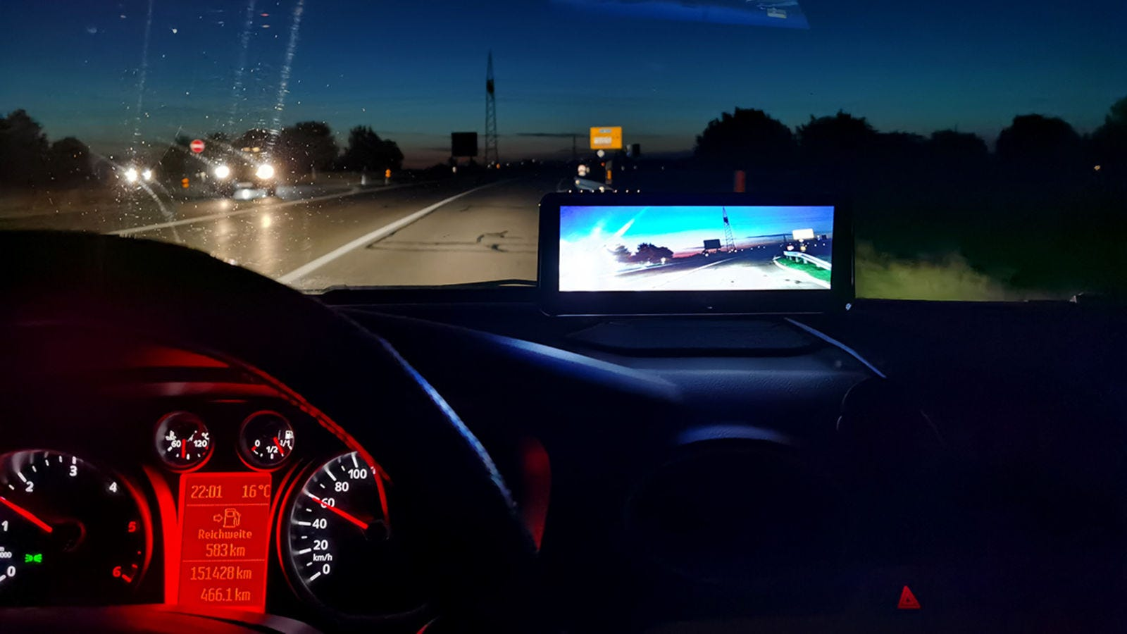 The biggest inconvenience is that the lights from the cars going in the opposite direction tend to generate too much brightness on the screen.