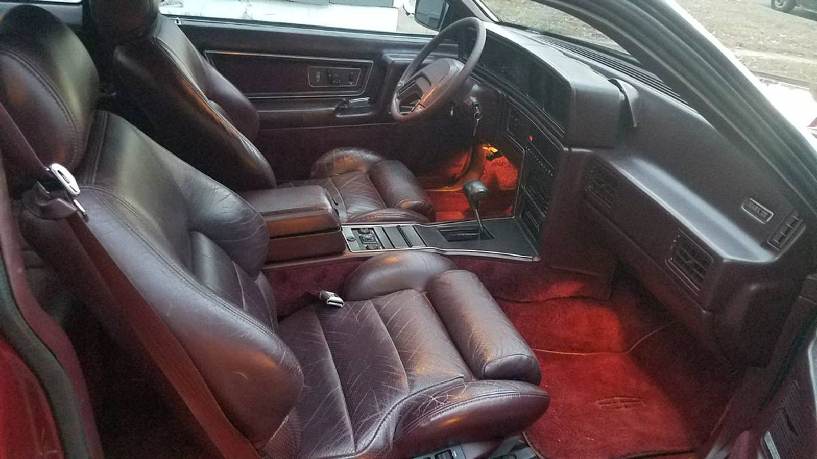 Illustration for article titled For $1,995, Could You Fall For This Luxurious 1988 Lincoln Mk VII LSC?em/em