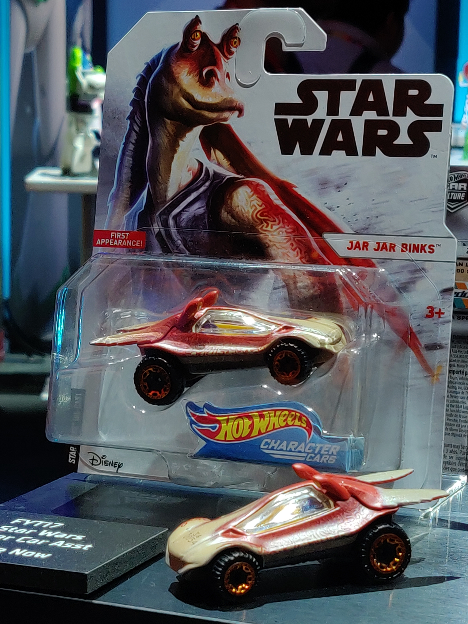 Illustration for article titled The Coolest iStar Wars/i and Marvel Reveals From New York Toy Fair