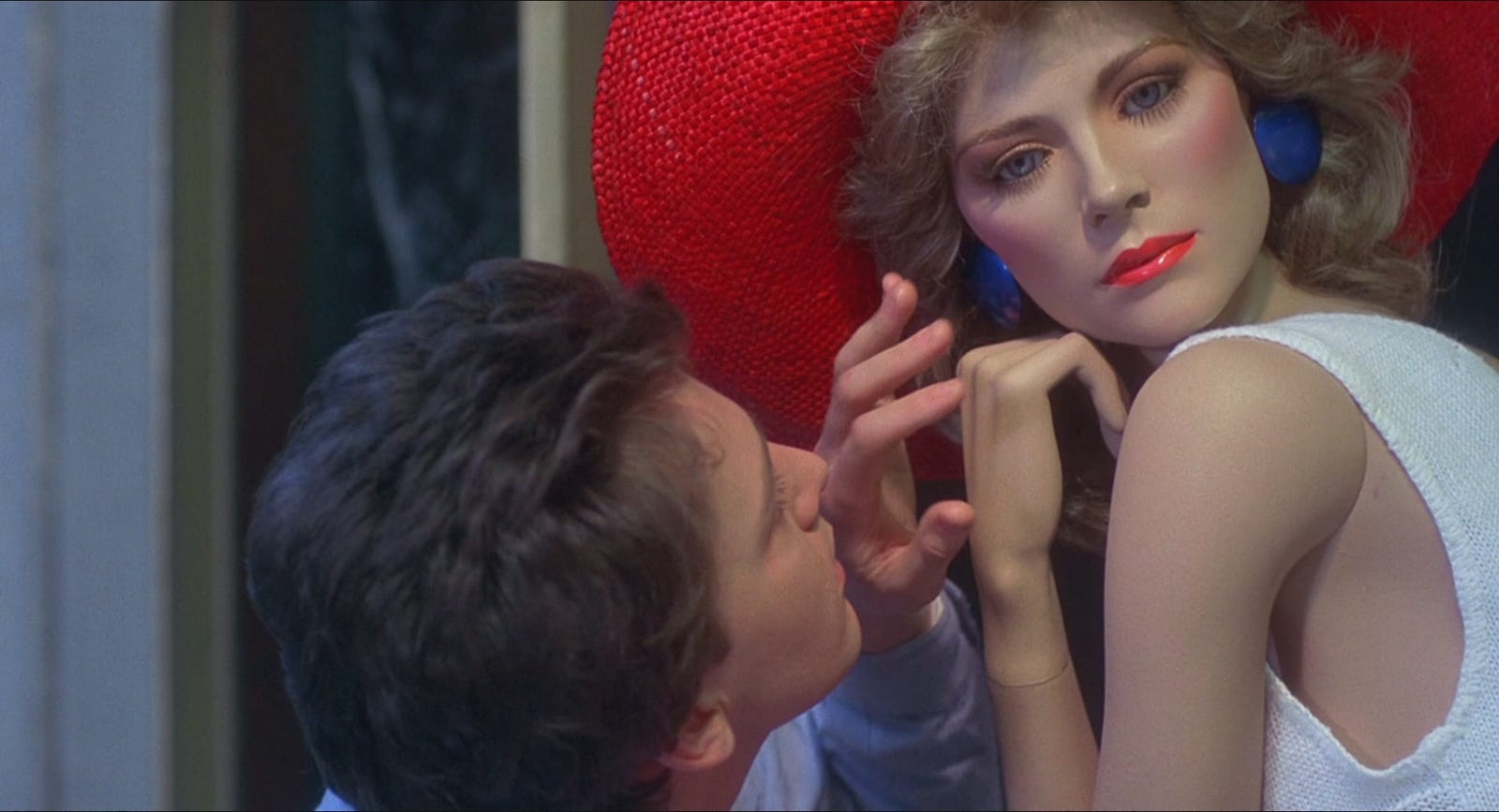 A slideshow of some shots of Emmy in Mannequin.